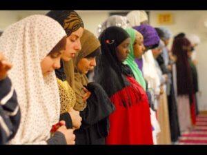 صلاة الجماعة للنساء واحكامها